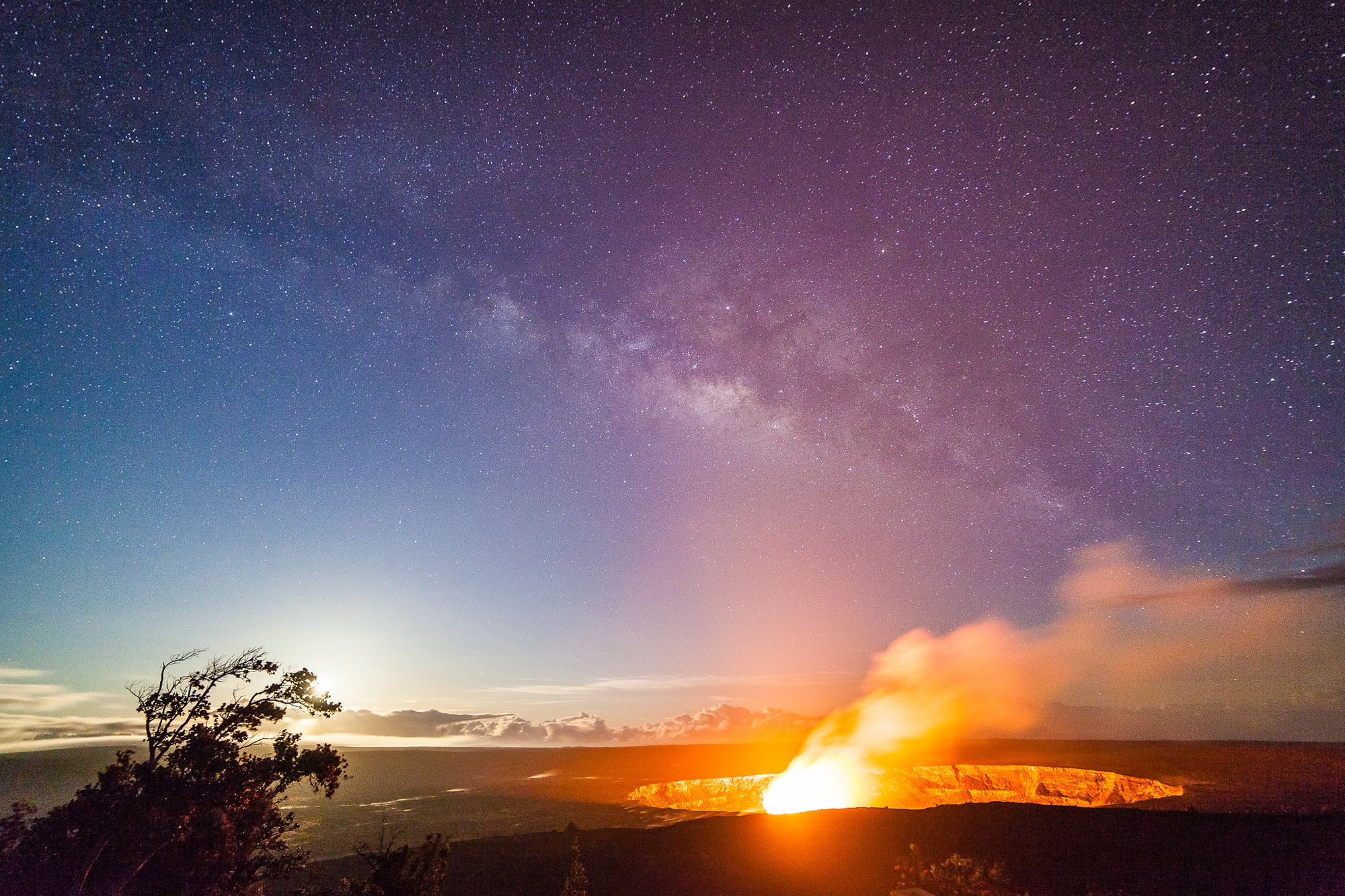 Milky Way Moonrise over Kīlauea